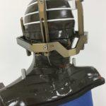 Gamma-Knife Alderson-Phantom mit Leksell-Stereotaxierahmen und Schrauben Zoom